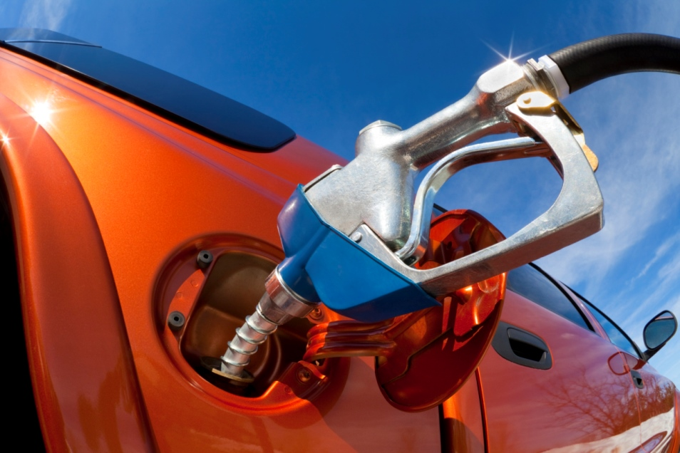خزان الوقود لماذا يختلف مكانه في السيارات المختلفة؟