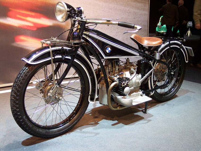 أول دراجة نارية في العالم من بي ام دبليو