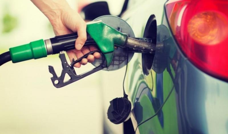رائحة البنزين لماذا نعشق استنشاقها ؟