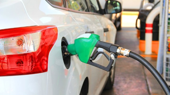 لماذا نحب رائحة البنزين