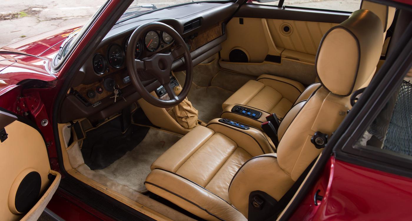 داخلية سيارة بورش 935 النادرة