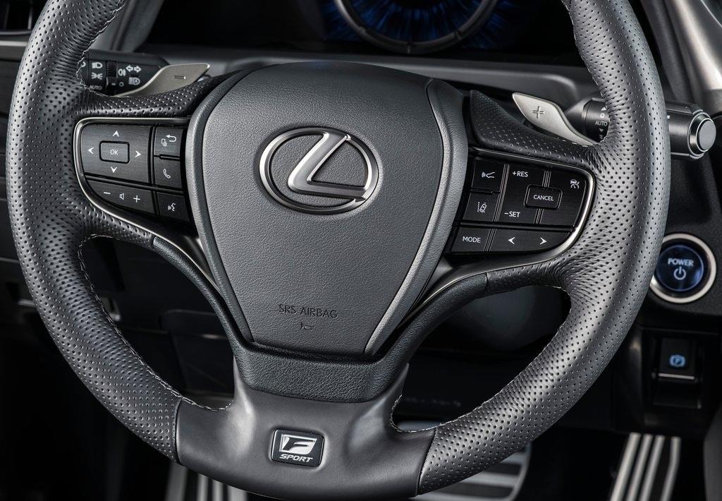 عجلة القيادة لسيارة لكزسES 2019