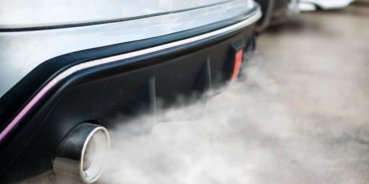 الدخان في السيارة