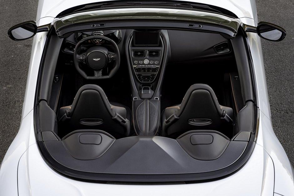 داخلية أسرع سيارة استون مارتن DBS سوبر لاجيرا