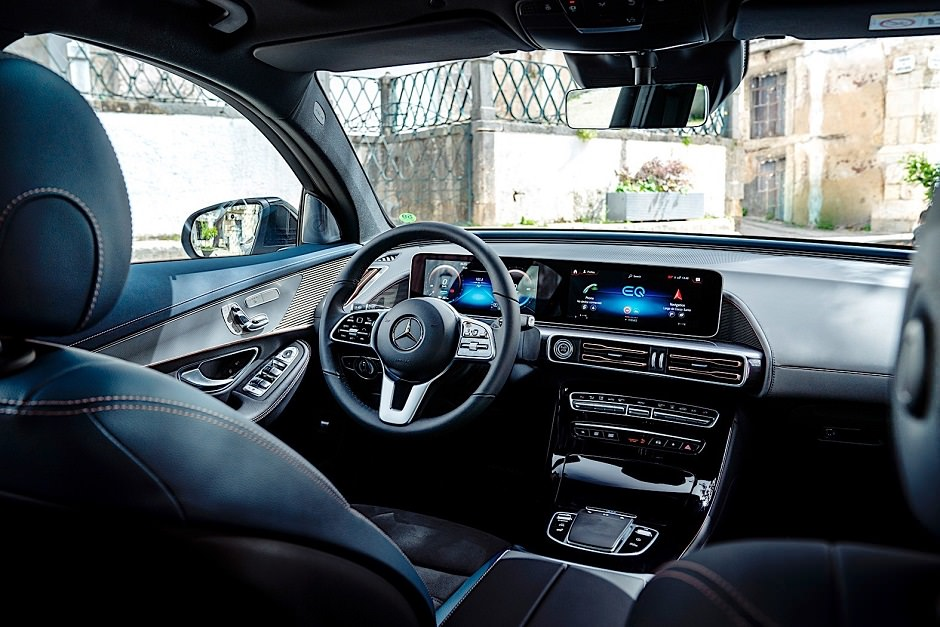 داخلية Mercedes EQC 2020