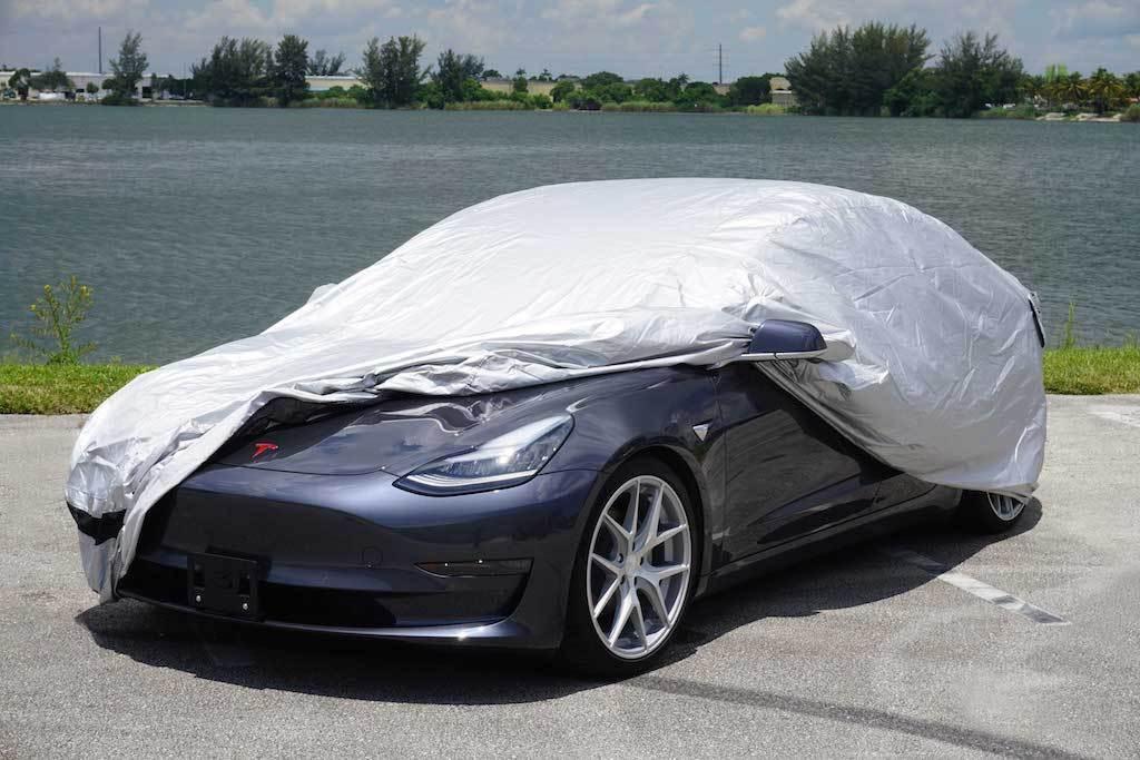 تغطية السيارة