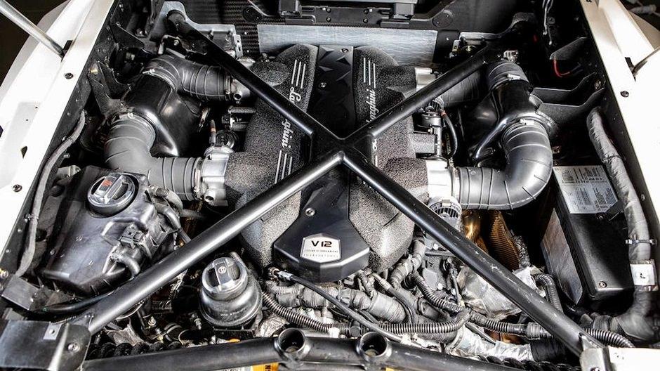 محرك لامبورجيني فينينو رودستر