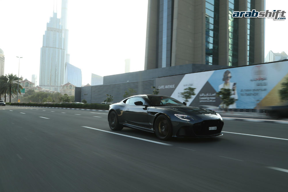 Aston Martin DBS Superleggera 4