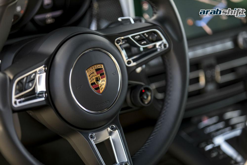 عجلة القيادة لسيارة بورش ماكان 2019