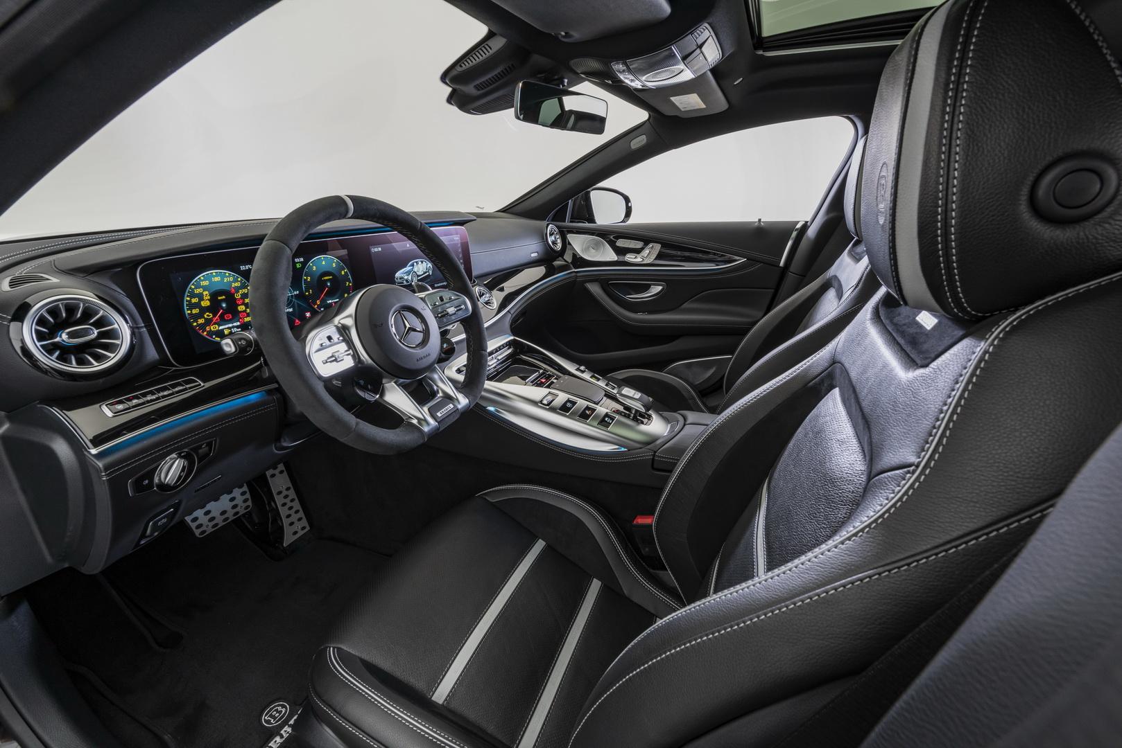 داخلية مرسيدس GT4 AMG المعدلة