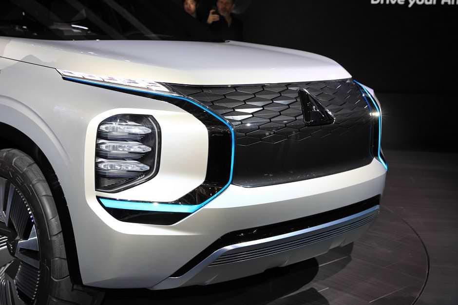 صور تجسسية لسيارة ميتسوبيشي اوتلاندر 2021