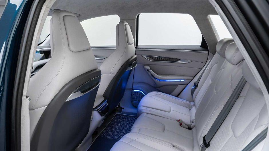 مقاعد سيارة كهربائية تركية