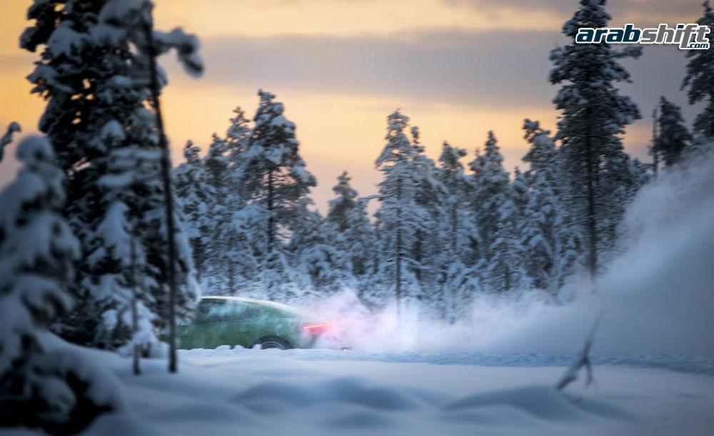 صور سيارة بورش تايكان الكهربائية 2020