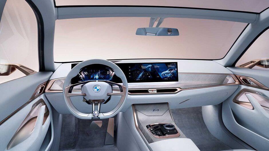 داخلية سيارة i4 الكهربائية