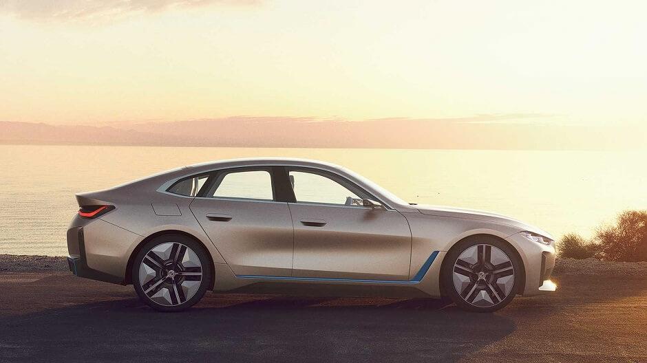 صور سيارة i4 الكهربائية